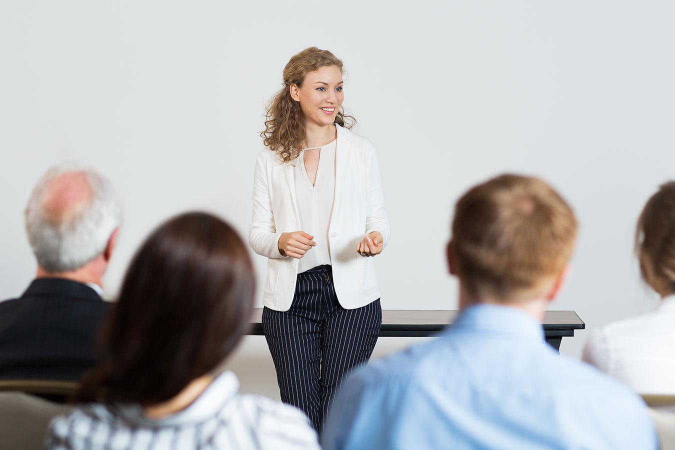 Disseminação de novos modelos de negócio e capacitação de empreendedores